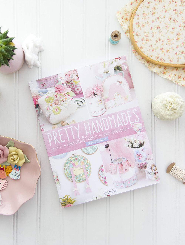 Pretty_Handmades_Book2017081000