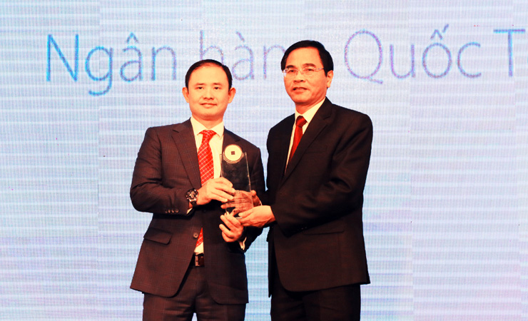 "2017  Bank of Vietnam Award - Wee Digital engineered ""Banking Social Keyboard"" winning  ""Innovative banking products and services in Vietnam"""