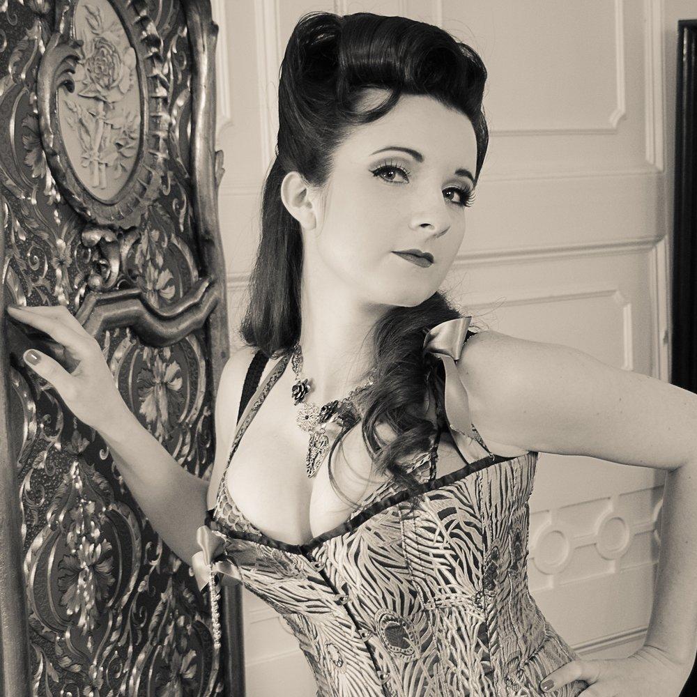 burlesque-4.jpg