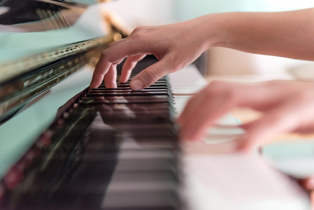 hugmusicpiano.jpg