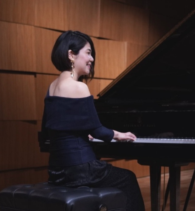<p><strong>Kana Kamitsubo-Markovic</strong>Founder/Director, Pianist, Composer, Music Therapist Board Certified</p>