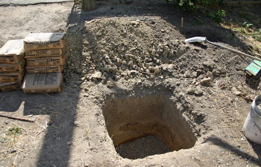 Instagate Hole.jpg