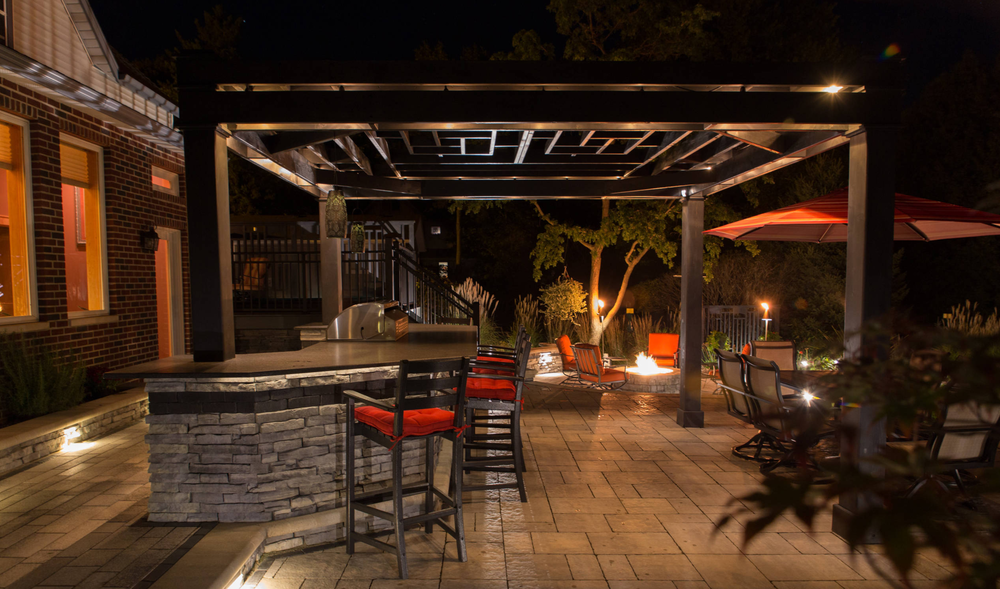 Madison WI top low voltage lighting landscaping company