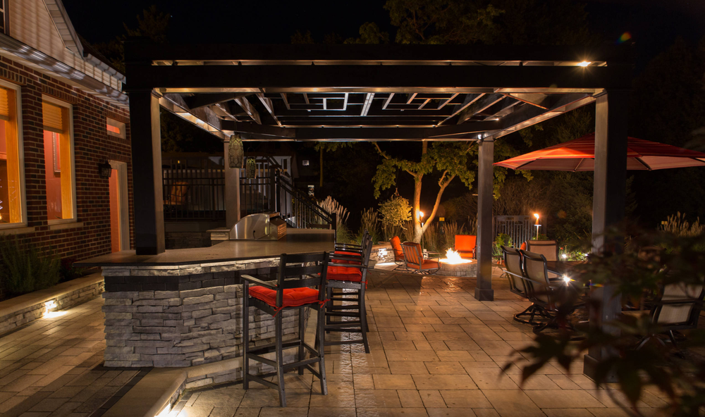 Patios with outdoor kitchen in Madison WI