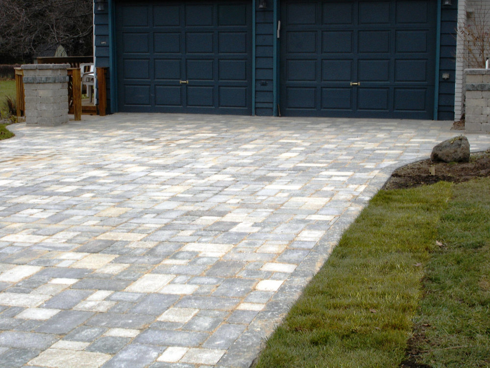 Landscaping company for top driveways in Madison WI