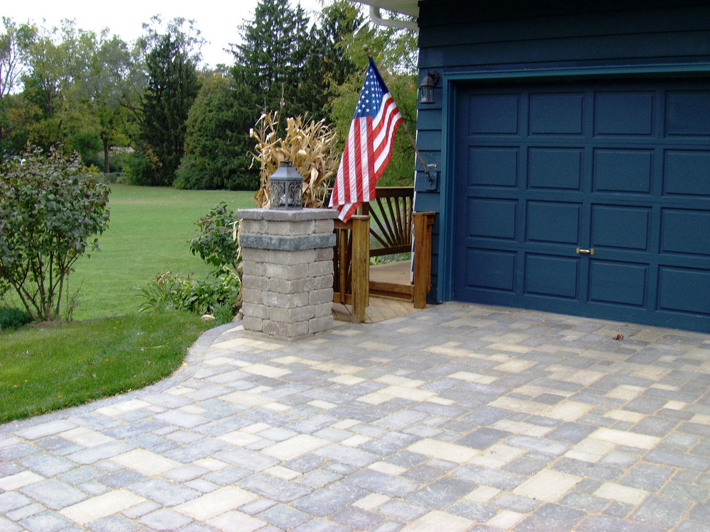 Madison WI top landscaper for driveway installation