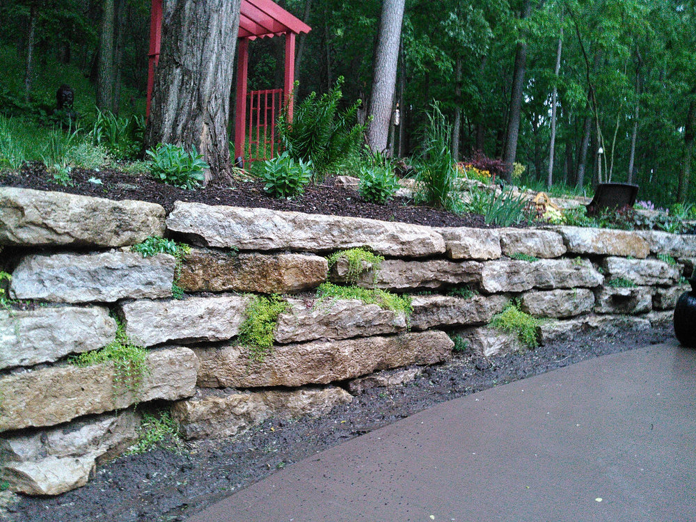 Madison WI landscaper with top retaining wall blocks
