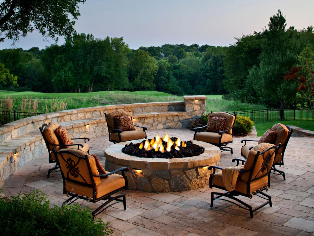 A gas-fueled fire put surrounded by comfortable seating makes for an excellent focal point for an impromptu evening get together.
