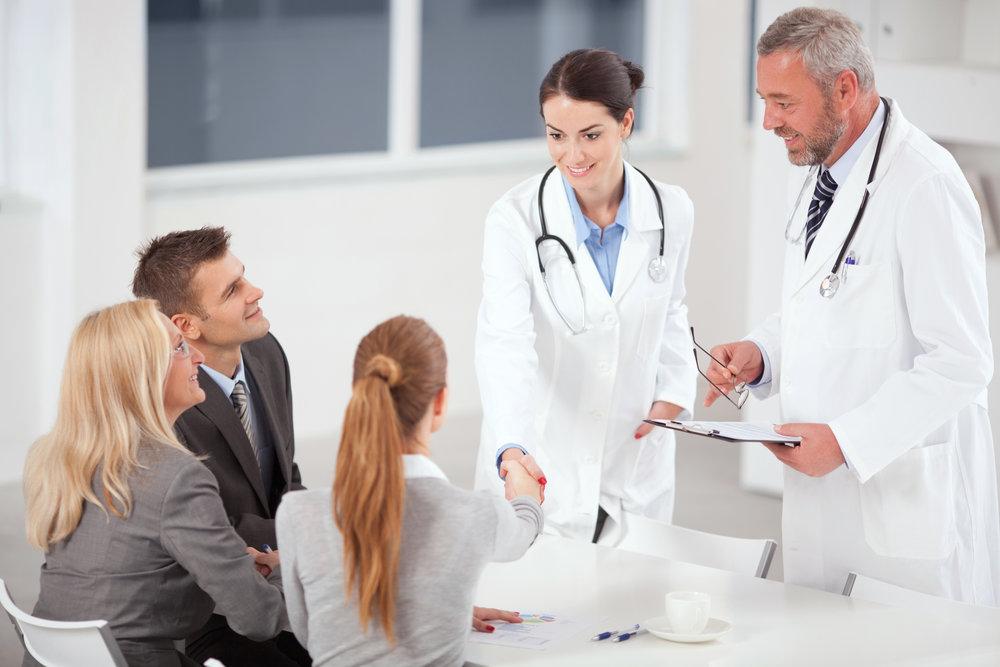 Doctors-on-business-meeting.-157578896_2122x1415.jpeg