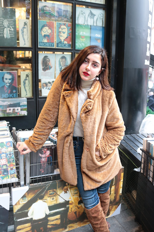 zeynep karali - 19 year-old freelance photographer based in Istanbul/Bursa.