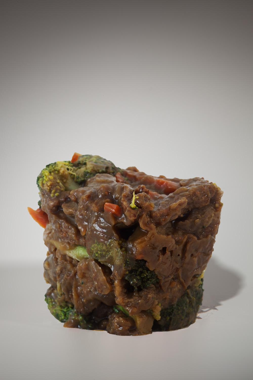 "Beef and Broccoli #3, 10""x15"", Archival Inkjet Print, 2011.  芥蘭牛三號,25x38公分,無酸微噴藝術紙,2011。"