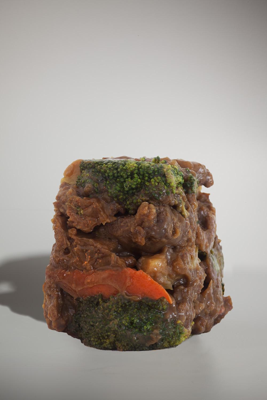 "Beef and Broccoli #1, 10""x15"", Archival Inkjet Print, 2011.  芥蘭牛一號,25x38公分,無酸微噴藝術紙,2011。"