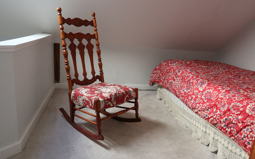 Red-Jacket-Rocking-chair_IMG_7386.jpg