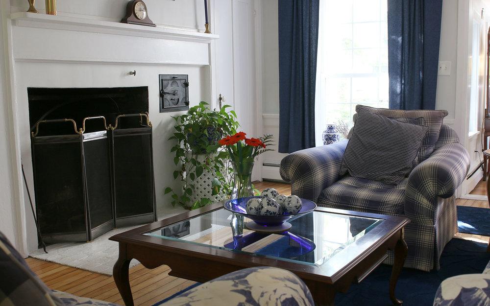 Sitting-room-1IMG_6224.jpg