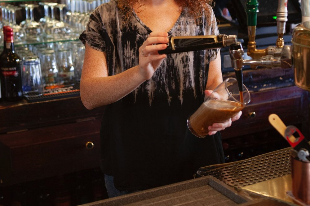 PJ-Finnegan's-bar-Guinness-beer-wine-fun-Irish.jpg