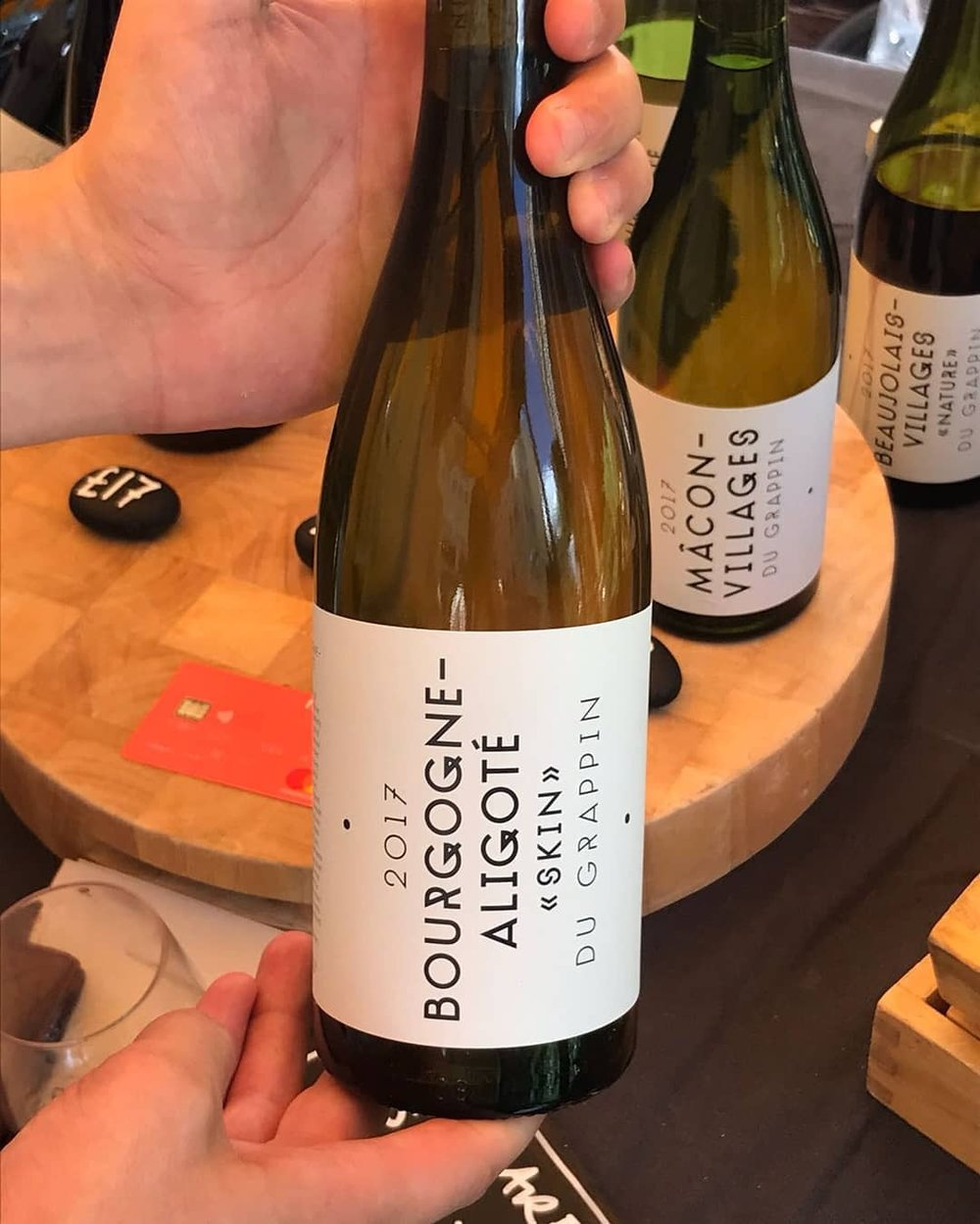 Throw back to the first #winecarboot I went to this year.  Absolutely delighted to hear the story of @legrappin wines today @winecarboot. Tasted their aligotè and gamay today and both were instant favourites for white Burgundy and red Beaujolais.  Very pleased to have bought the first bottle of the vintage! Roll on dinner later… #wine #borgogne #whitewine #aligotewine #aligote #burgundy #winecarboot #wines #winestagram #skincontactwine #lowintervention