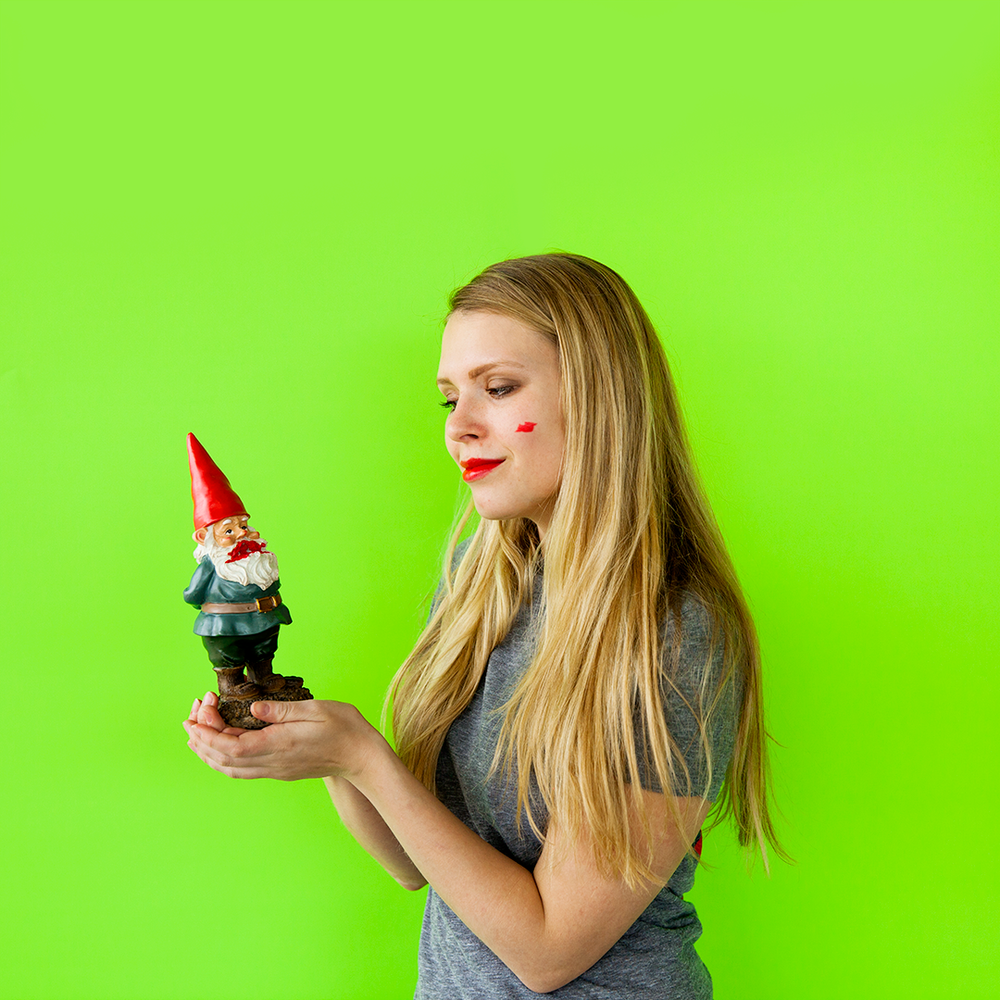 Gnome_Kiss.png