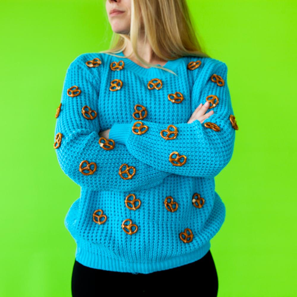 Pretzel_Sweater.png