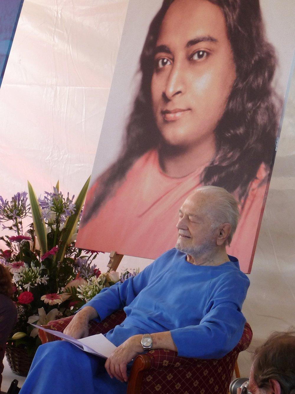 Swami Kriyananda meditating at a Yoga conference in Rome.jpg