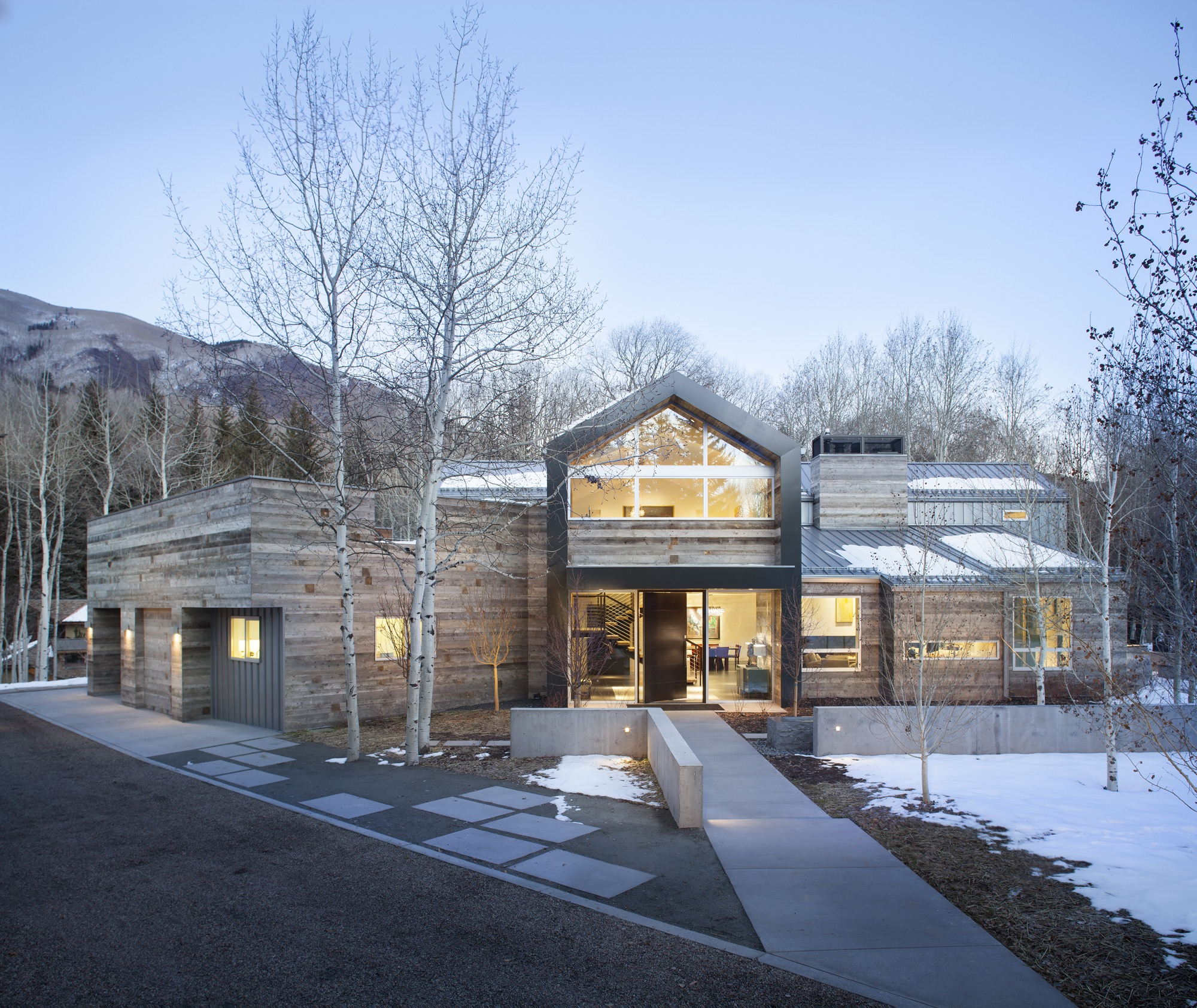 Black Birch Modern in Aspen, Colorado, by architecture and interior design firm Rowland and Broughton