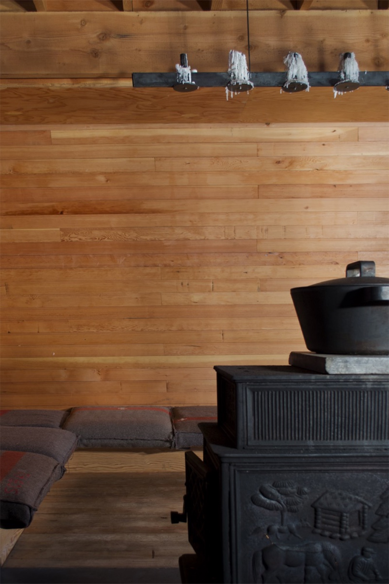 Iittala cast-iron pot designed by Björn Dahlström