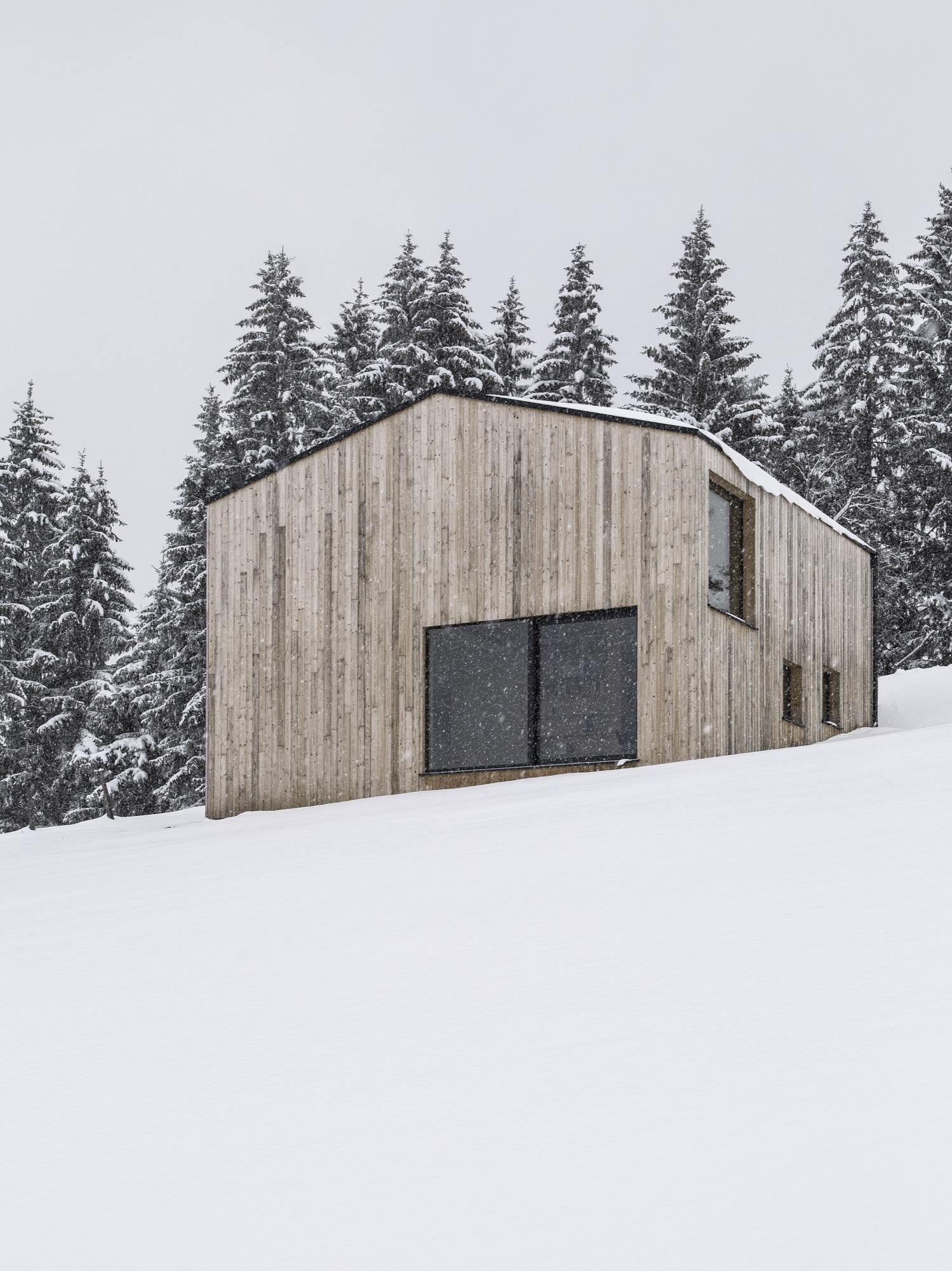 Photo by Albrecht Imanuel Schnabel