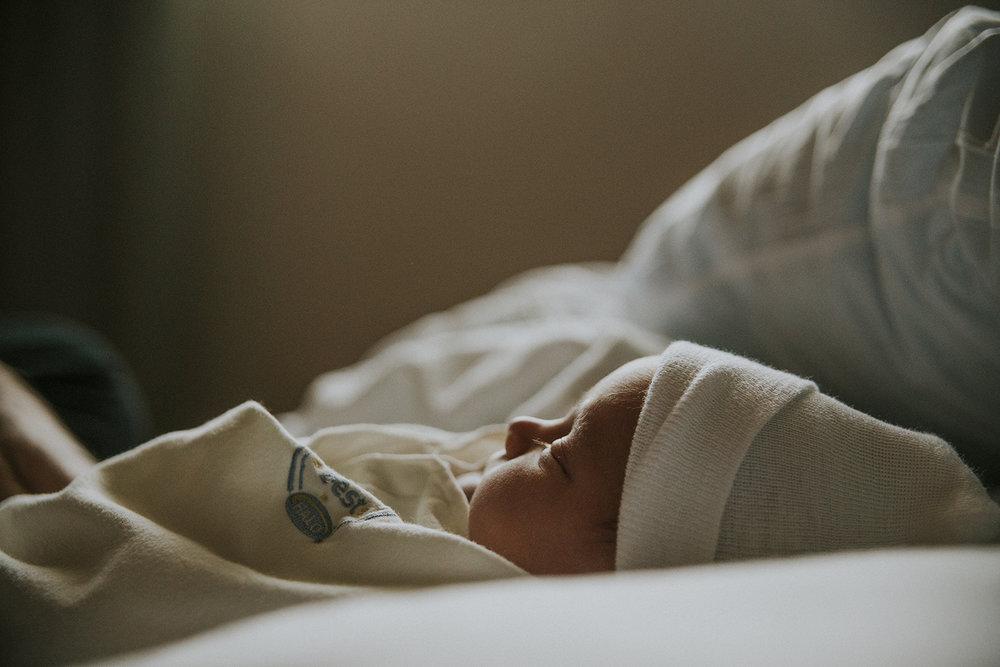 professional-omaha-brith-newborn-fresh-48-photography