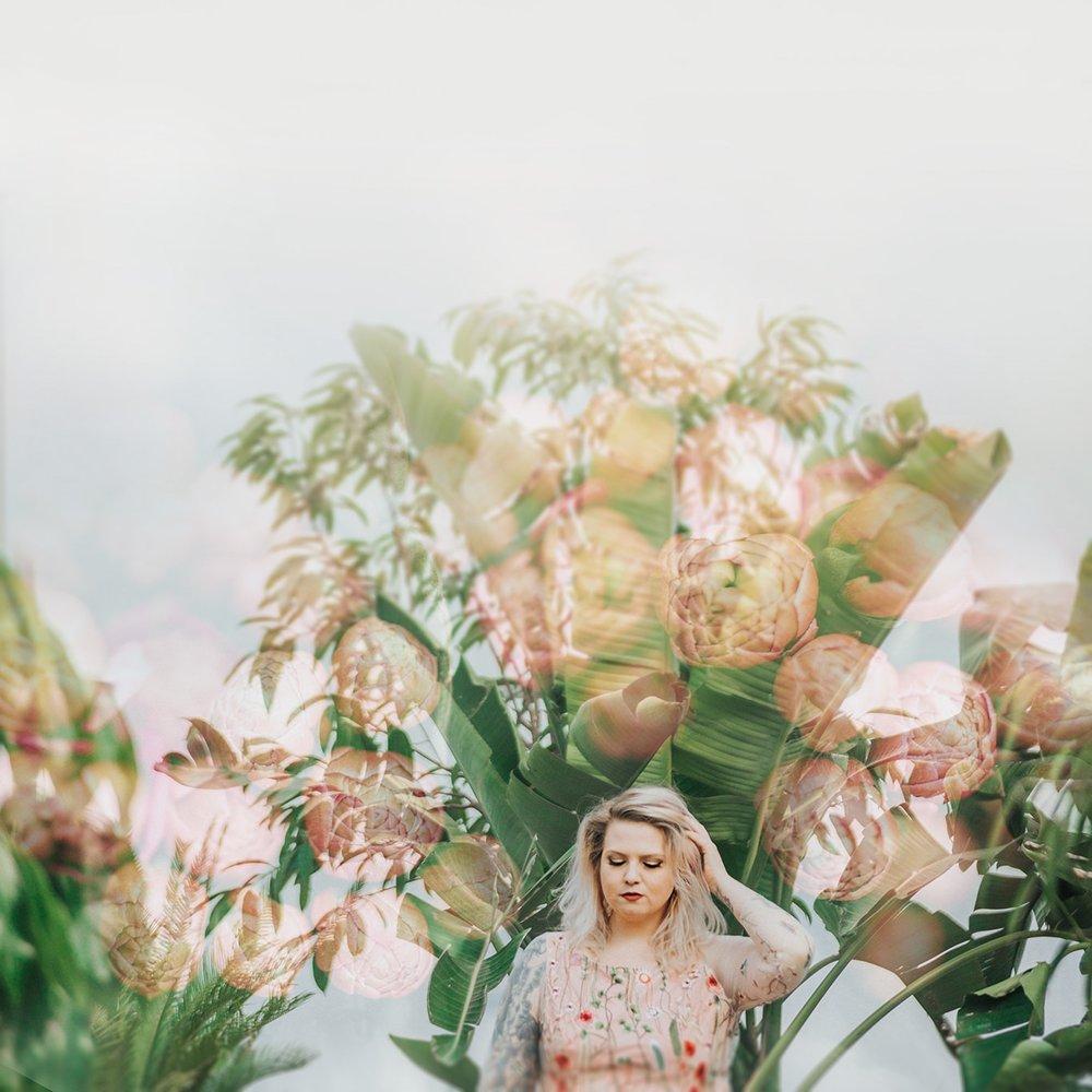 omaha-nebraska-creative-wedding-photographer