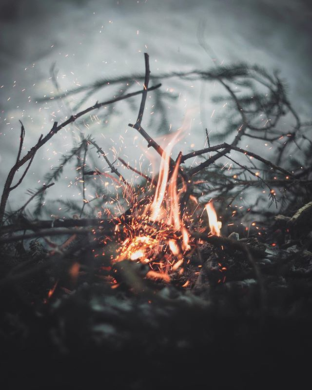 BRRRR - the true January Gloom (I know it's #JuneGloom in the states but … let's just run with it, shall we?) is here. Who else is wishing they were in front of a warm campfire right now? 🥶🥶🔥