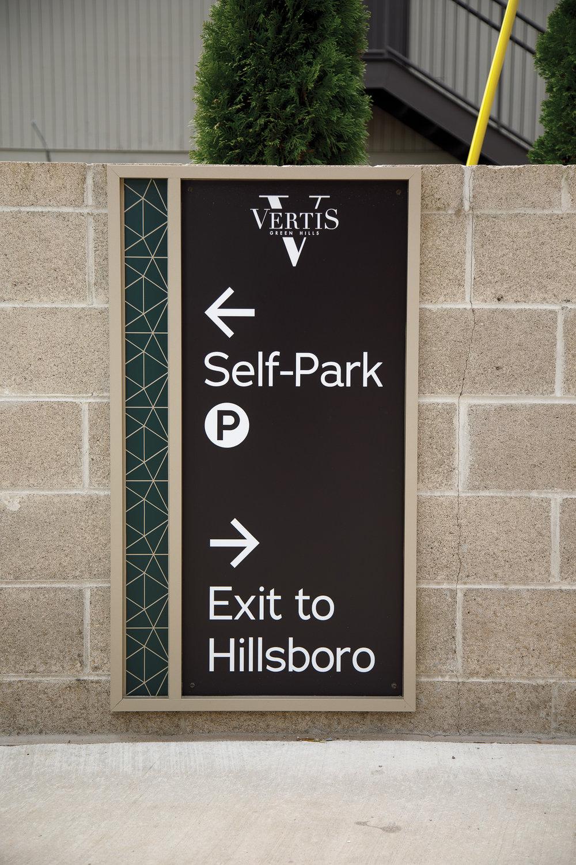 Vertis-Green-Hills_wayfinding-signage_self-park-exit__MG_5886_small 2000 px.jpg