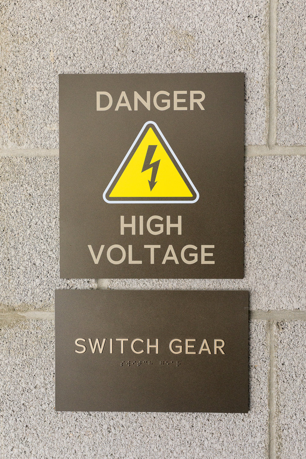Vertis-Green-Hills_Signage_Required by Building Codes_High Voltage_MG_5248_small 2000 px.jpg
