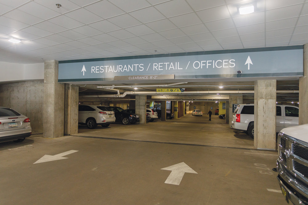 Vertis-Green-Hills_wayfinding-signage_parking-garage-restaurants-retail_MG_5238_small 2000 px.jpg