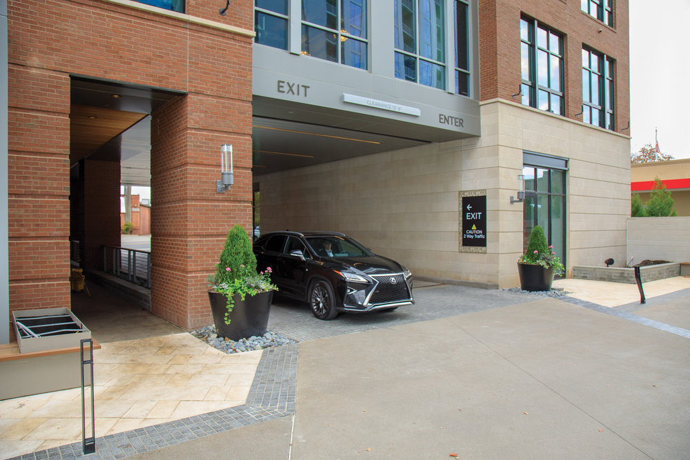 Vertis-Green-Hills_wayfinding-signage-Courtyard-Enter-Exit_MG_5768_small 2000 px.jpg
