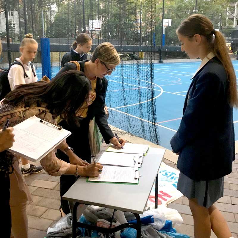 Collecting Signatures in Monte School