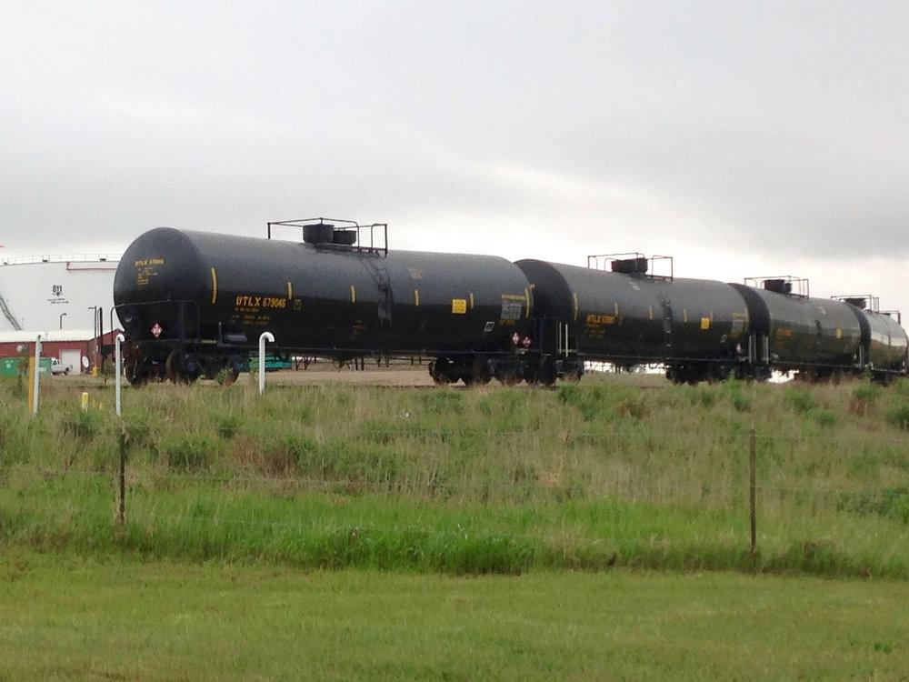 Rail traffic near Epping, ND transporting Bakken oil