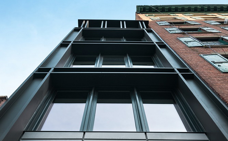 Half House - Seaport District / Manhattan / Townhouse / New Construction / Landmarks