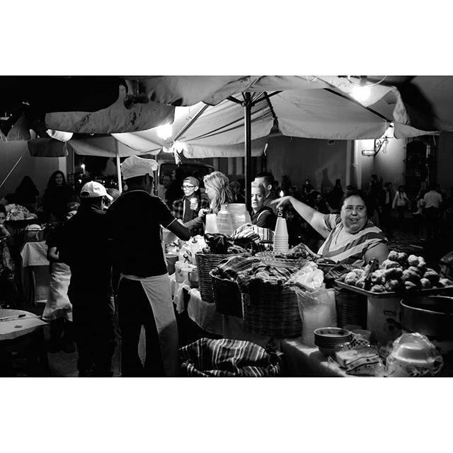 Street food night snack in Guatemala Fuji Xpro2 + Nikkor 28mm f2 . . . . #streetlife #streetphoto_bnw #streetblackandwhite #streetphotograph #streetphotography #streetphoto_bw #fujifilm_street #myfujilove #bnw #bnwmood #bnwinstagram #bnwzone #bnw_planet #monochrome #blackandwhite #streetfood #nightsnack #peoplewatching #guatemala #travelphotography #blackandwhitephotography #instabnw #photographylife #fujifilmx_us @bnw_greatshots @bnwsouls