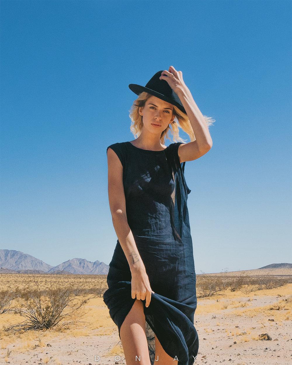 Lindsay Desert Look.jpg