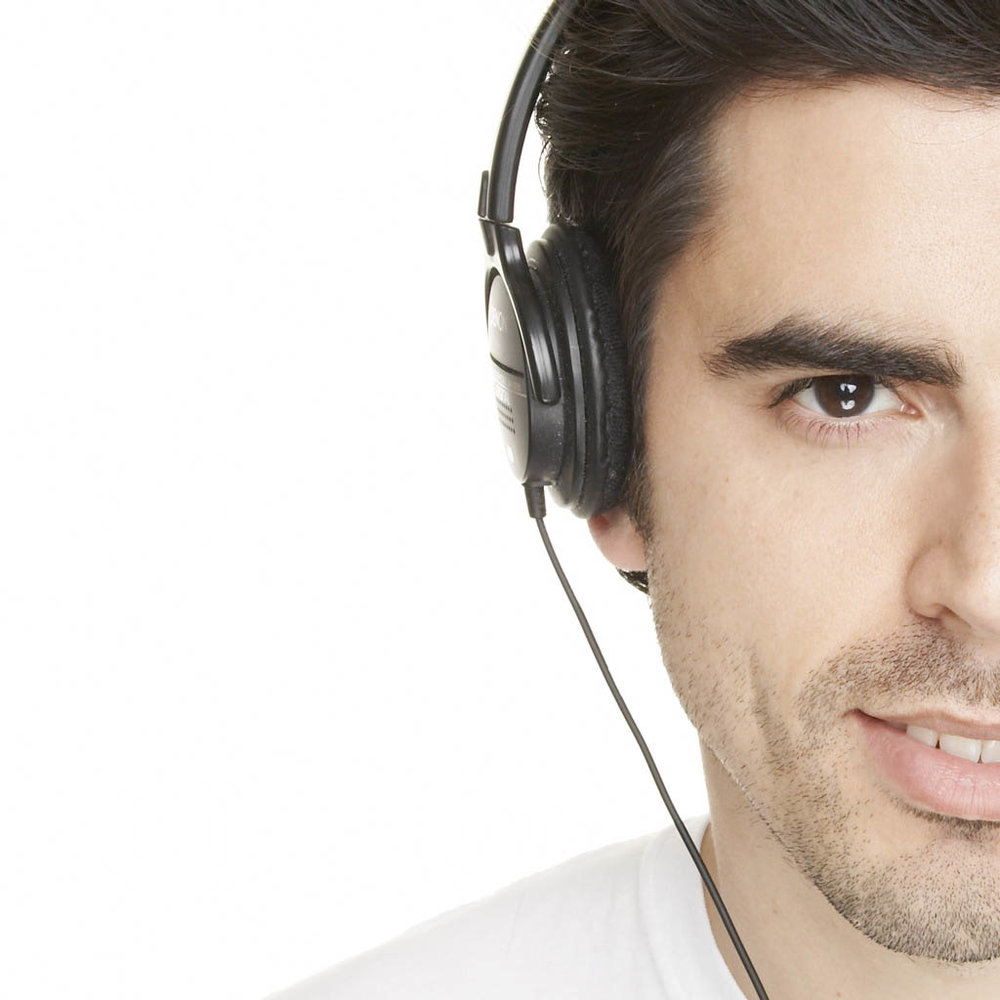 td-562-headphone-half.jpg
