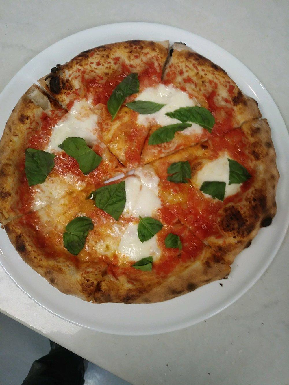 pizza geo - pizza margherita.jpg