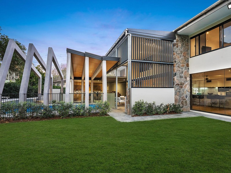 $3,200,000 - >720SQM // INDOOROOPILLY