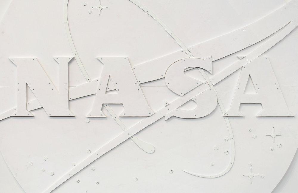 NASA Meatball Logo,White, 2007 Courtesy Gagosian Gallery, photo by Genevieve Hanson