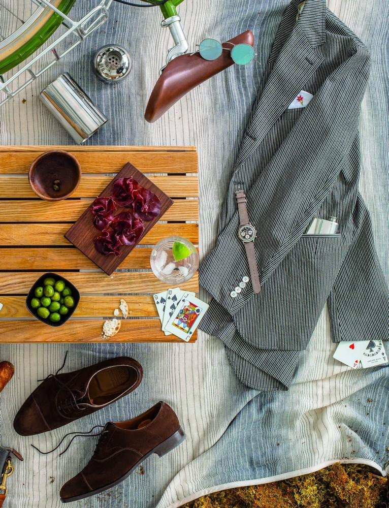 4. mink suede chelsea oxford EDWARD GREEN 5. 1970 incabloc chronograph WAKMANN 7. pewter flask MOTW 8. japanese cotton blanket MOTW 12. bottle cocktail shaker SOKICHI 14. embroidered pocket square G. INGLESE 16. walnut cutting boards MOTW 20. seersucker blazer CAMOSHITA 21. m-4 sunglasses OLIVER PEOPLES   1 ― 16 available at manoftheworld.com; 17 ― 21 available at gentrynyc.com
