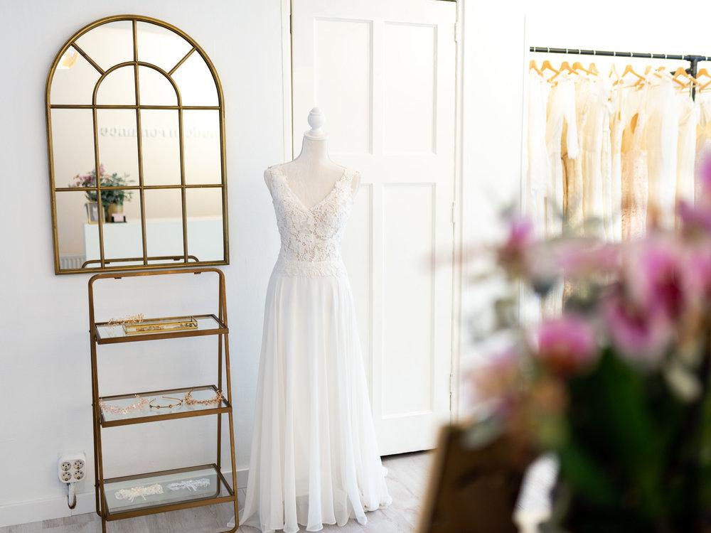 modern-romance-bridal-5.jpg