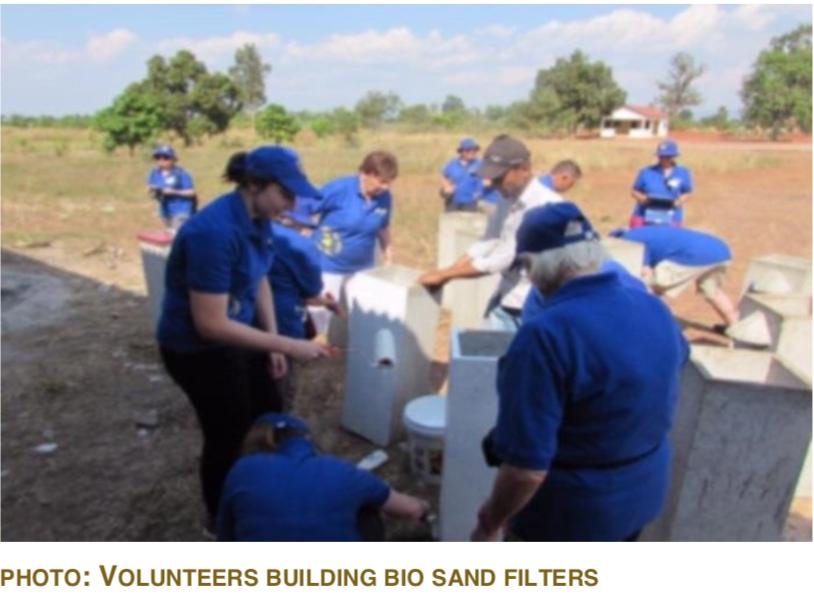 PHOTO: VOLUNTEERS BUILDING BIO SAND FILTERS