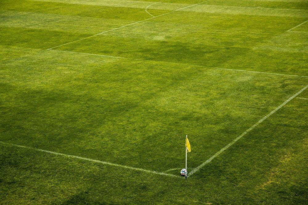 corner-field-flag-47343.jpg