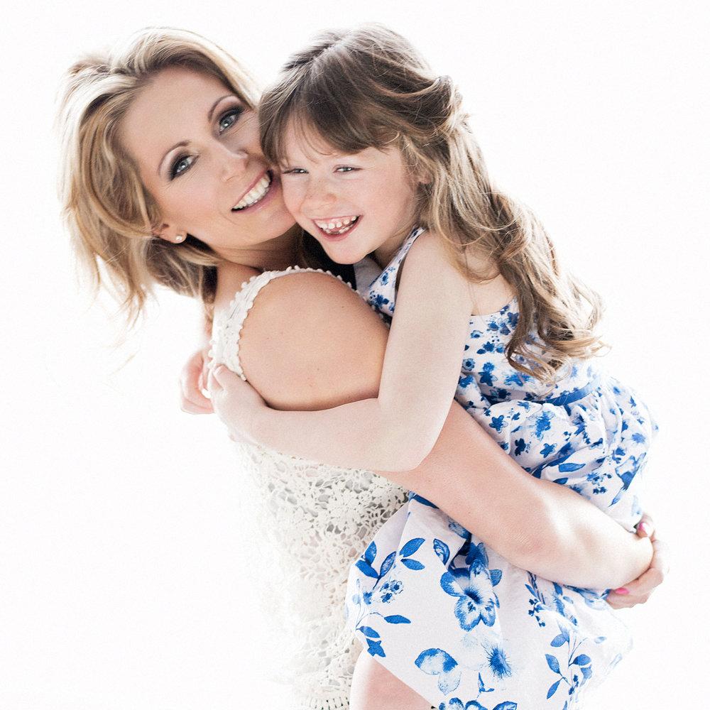 mum and daughter photo shoot charlotte kensington portraits