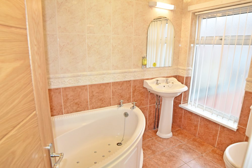 Room 110 Bathroom (2).jpg