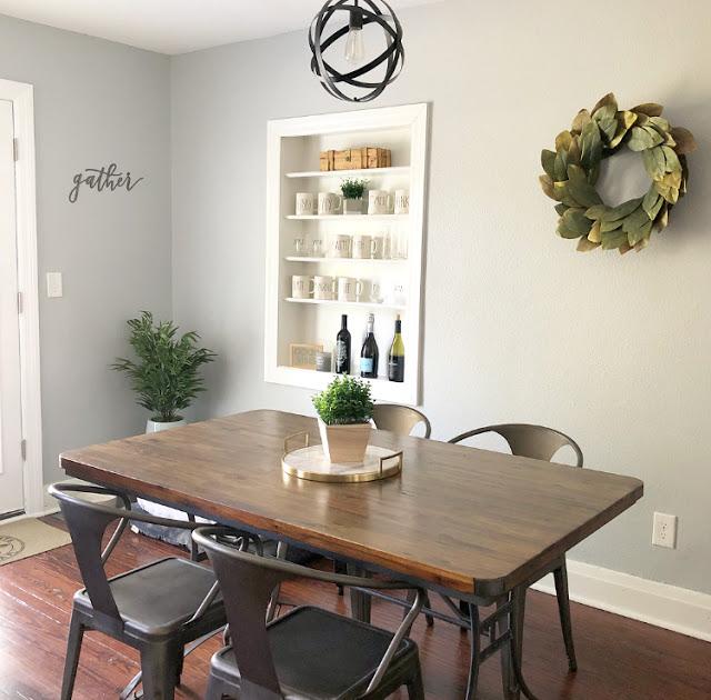 Farmhouse Dining Room Decor.jpg