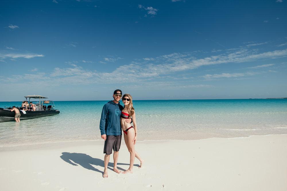 bahamas-vacation-in-exuma-pig-beach-2019DSC_5914.jpg